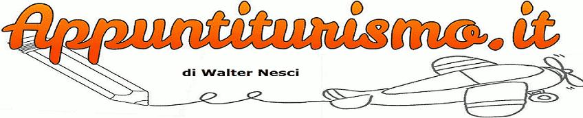 Logo Appunti Turismo. Disegno di un aereo in volo che lascia una scia:dei segni con matita